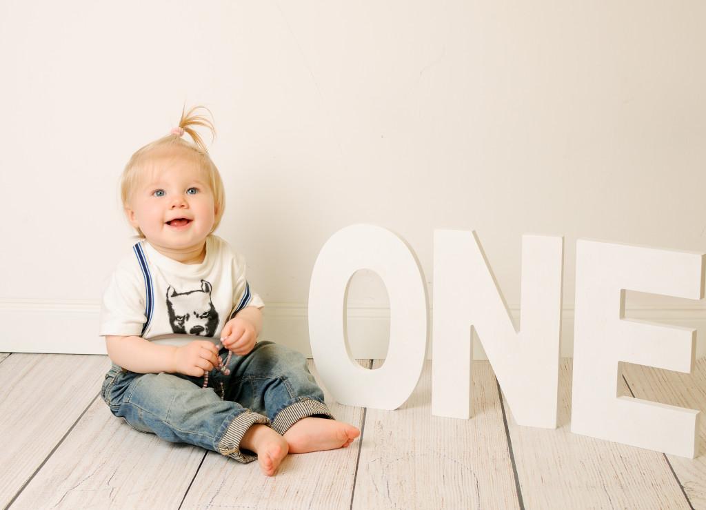 niemowlęce sesje zdjęciowe na roczek, sesja urodzinowa na roczek