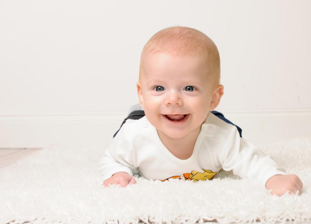 poznań sesje niemowlęce, fotografia niemowlat w poznaniu, foto_niemowlat_poznan, fotografia_niemowleca-sesje zdjeciowe
