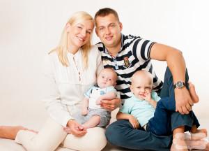 studio rodzinne sesje zdjeciowe, poznan sesje fotograficzne w studio rodzinne, fotografia rodzin (2)