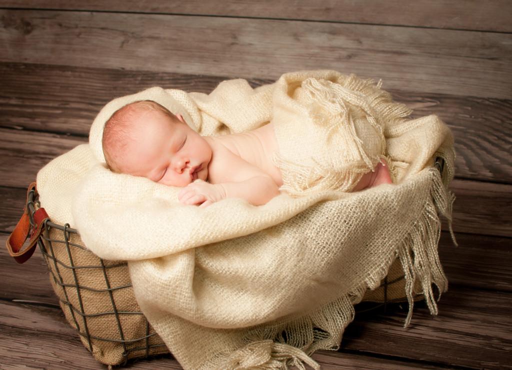 POZNAŃ_urocze_fotografie_niemowlęce, Poznań_sesje_fotograficzne_dzieci_i_niemowląt, fotografia niemowlęca, sesja na prezent