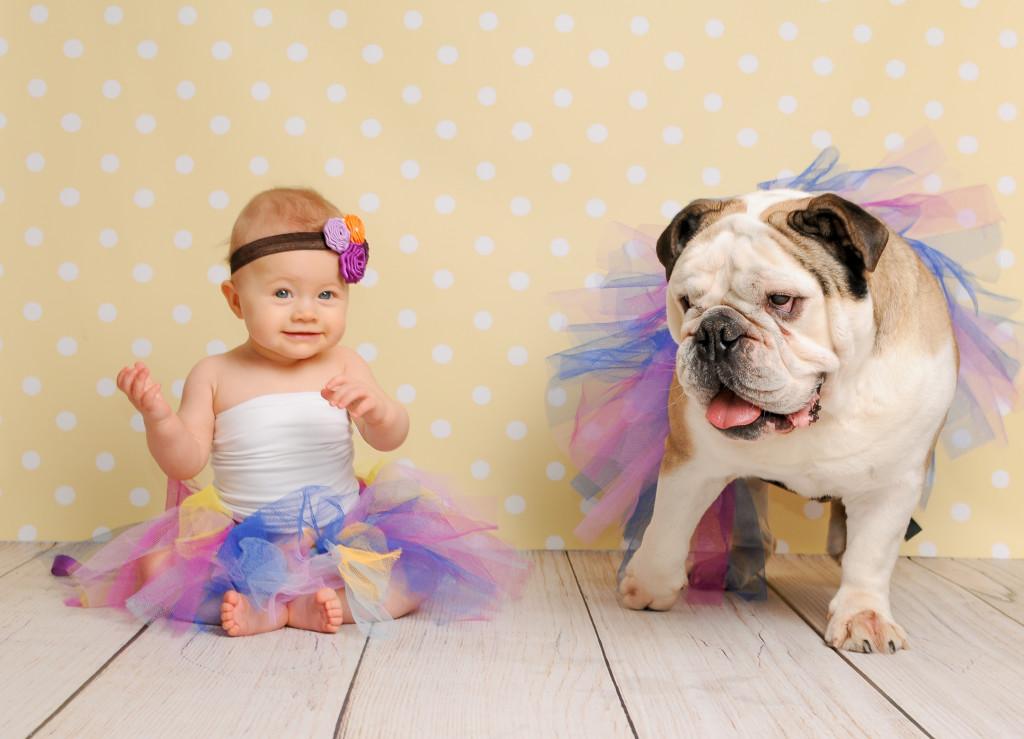 kasia sztompka fotografia dziecięca Poznań, profesjonalna fotografia dzieci, profesjonalna fotografia niemowlęca, zdjęcia niemowląt z psem