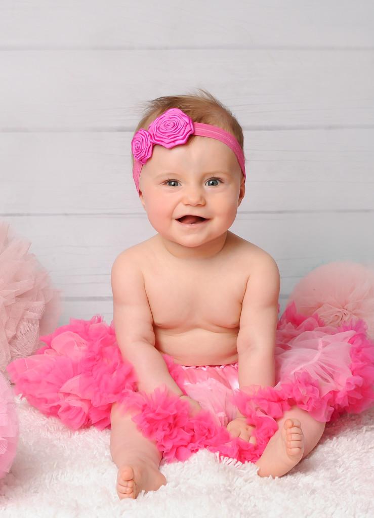 śliczne zdjęcia niemowląt poznań, sesja niemowlęca dziewczynki, fotografia dziecięca poznań, w poznaniu (1)