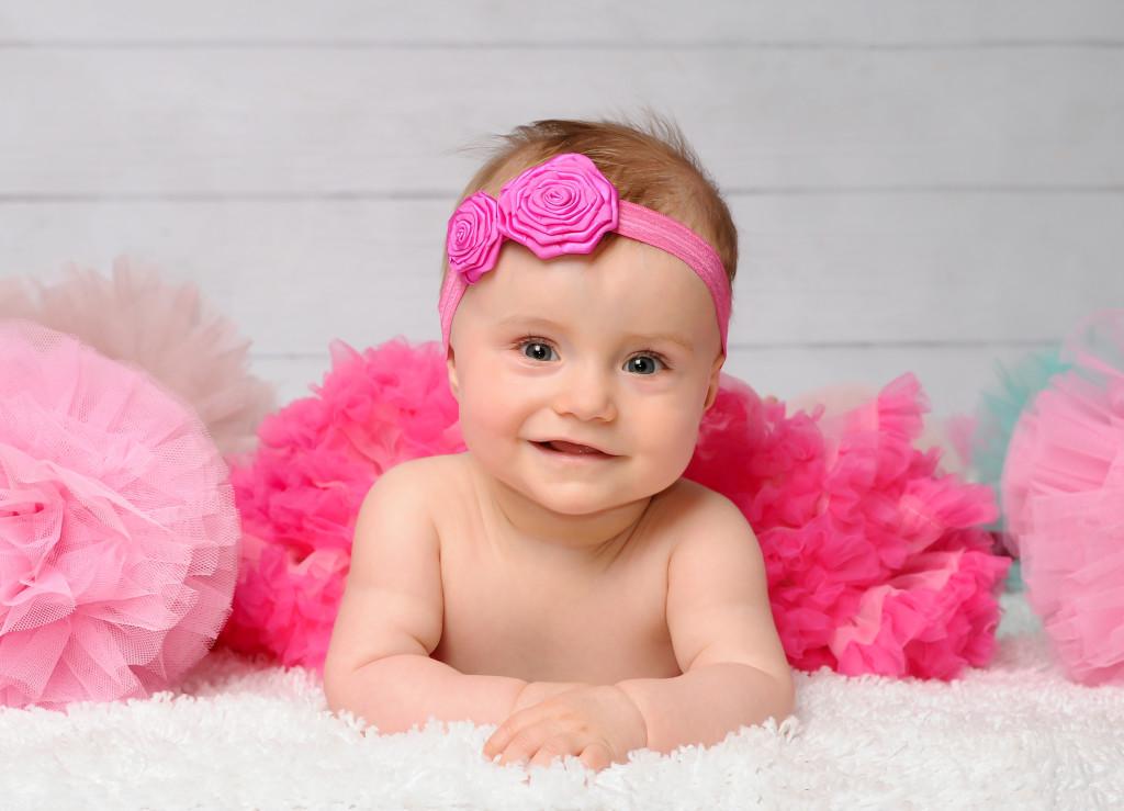śliczne zdjęcia niemowląt poznań, sesja niemowlęca dziewczynki, fotografia dziecięca poznań, w poznaniu (2)